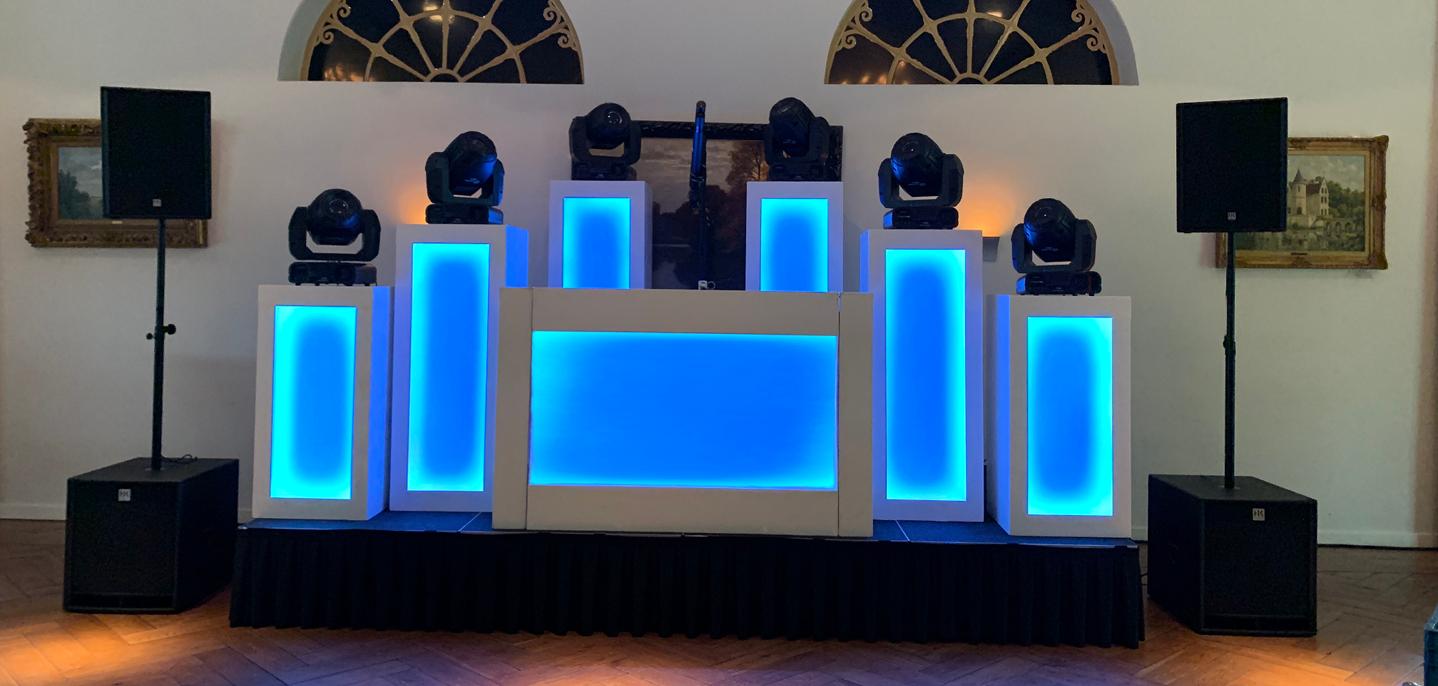 WHITE Large DJ Show