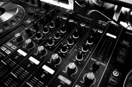 Muziek verjaardag DJ