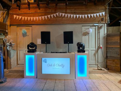 White Basis DJ Show - Watergoed in Valburg